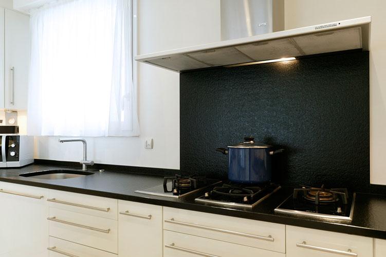 Credence inox autocollante home design architecture for Plaque inox autocollante