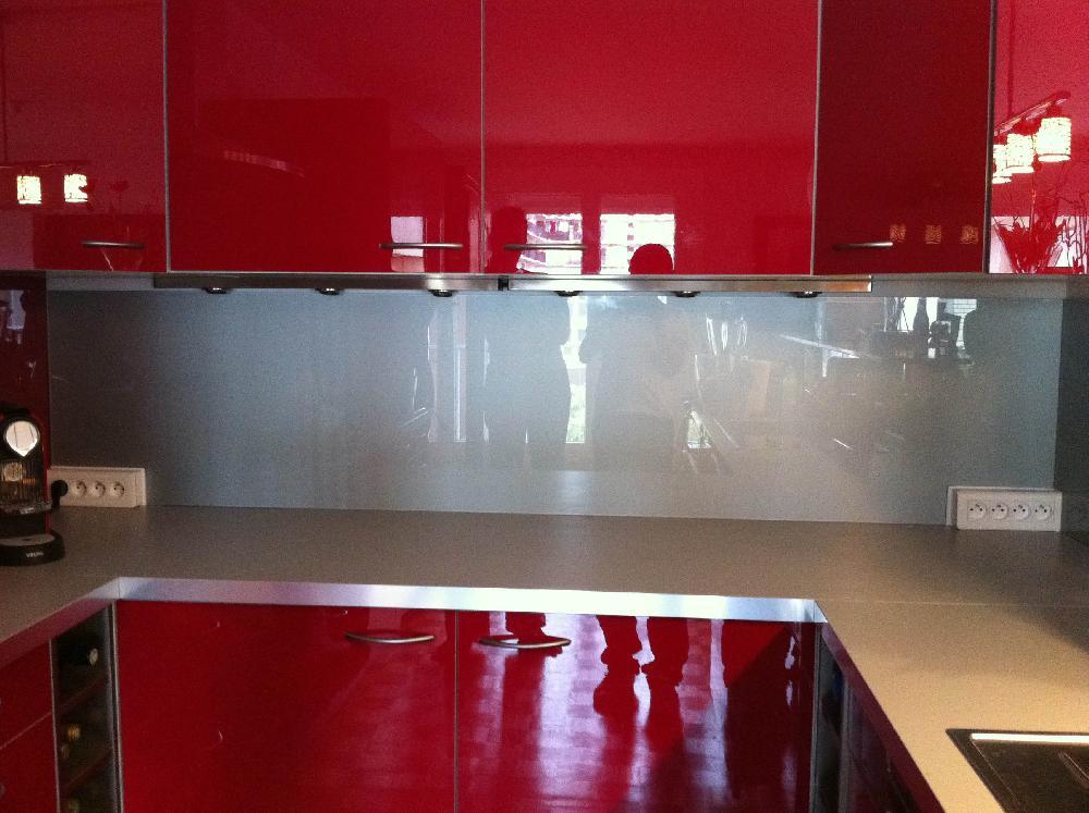 Credence de cuisine en verre trempe - Credence pour cuisine rouge ...