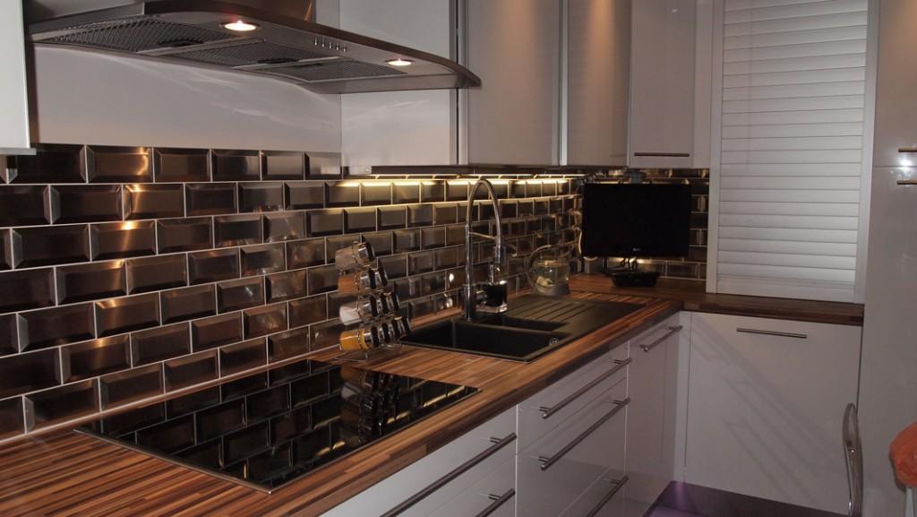 id e credence inox cuisine belgique cr dences cuisine. Black Bedroom Furniture Sets. Home Design Ideas