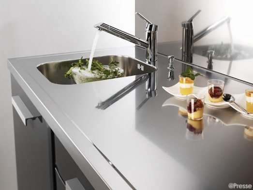 Couleur credence inox cuisine professionnelle cr dences for Inox cuisine professionnelle