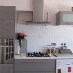 couleur credence avec cuisine grise