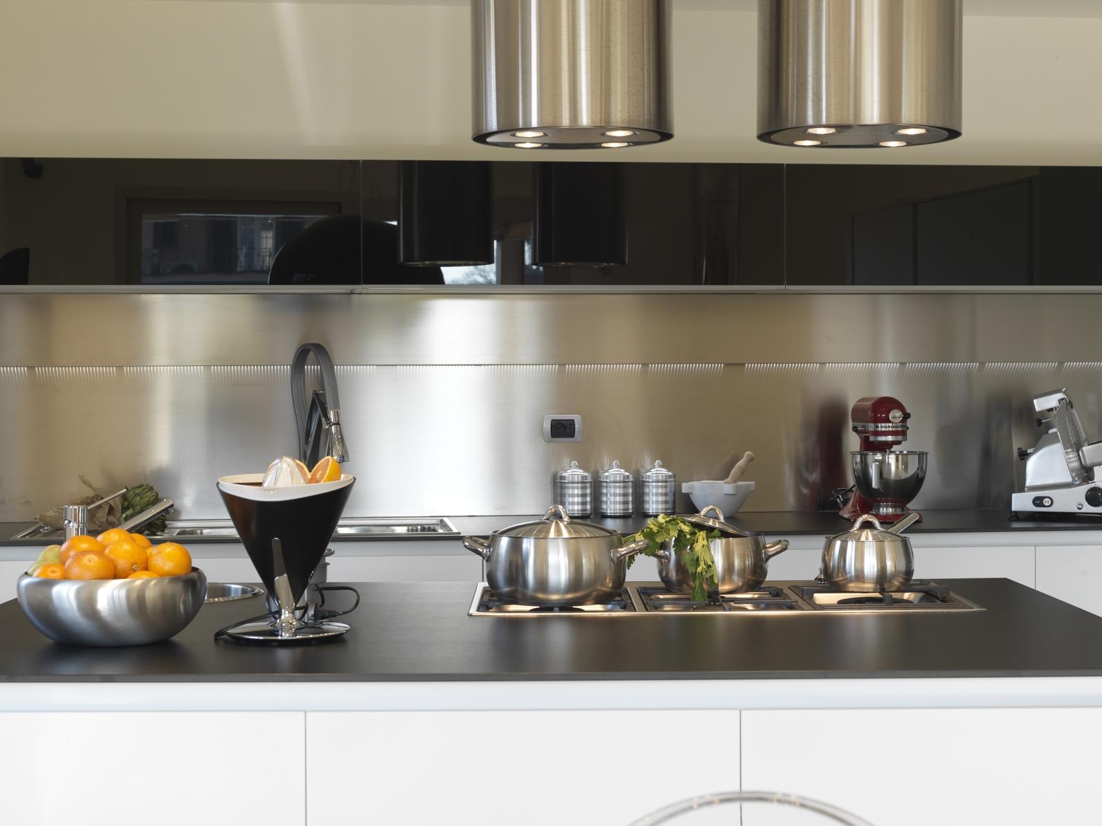 Credence cuisine peinture cr dences cuisine - Peinture brillante pour cuisine ...